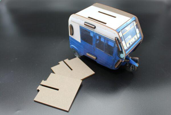 Mit seiner Höhe von 11,3 cm ist dieses Schreibtischorganisationstalent auch für Scheren und Lineale geeignet.