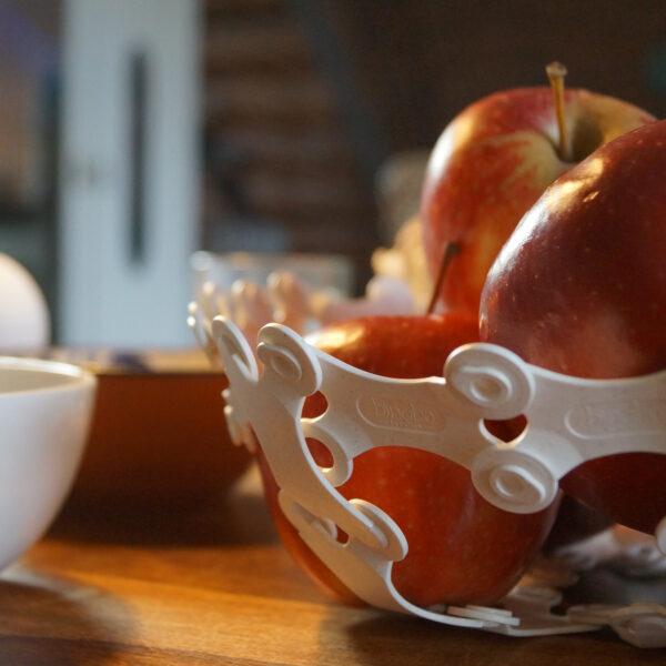 Auch eine Obstschale muss nicht gleich aussehen, wie eine Obstschale. Jede Form kann variiert werden.