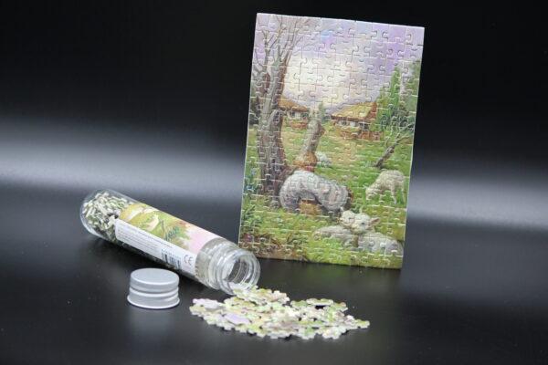 Eine Postkarte in 150 Teilen. Ein außergewöhnliches Geschenk für liebe Menschen oder sich selbst; und nur über uns erhältlich