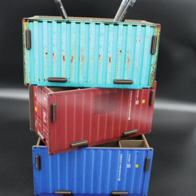 Sie lieben Schiffe?? Waren aus aller Welt?? Container?? Dann stellen Sie sich einen auf den Schreibtisch. In drei Farben!