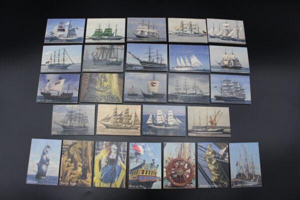 Ein Blick auf die 26 Motive, mit denen man in See stechen kann. Wichtig: Das Spiel soll leben; es werden auch Motive getauscht.